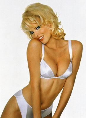 Eva Herzigova - Sexy photo | girl.of.the.day