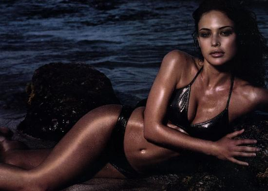 Josie Maran - Wet photo | girl.of.the.day